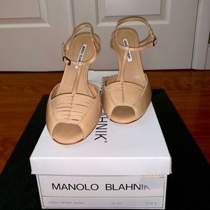 Manolo Blahnik Caldo Patent Blush Heel
